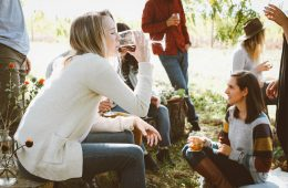 How to throw the perfect garden party - Fishpools